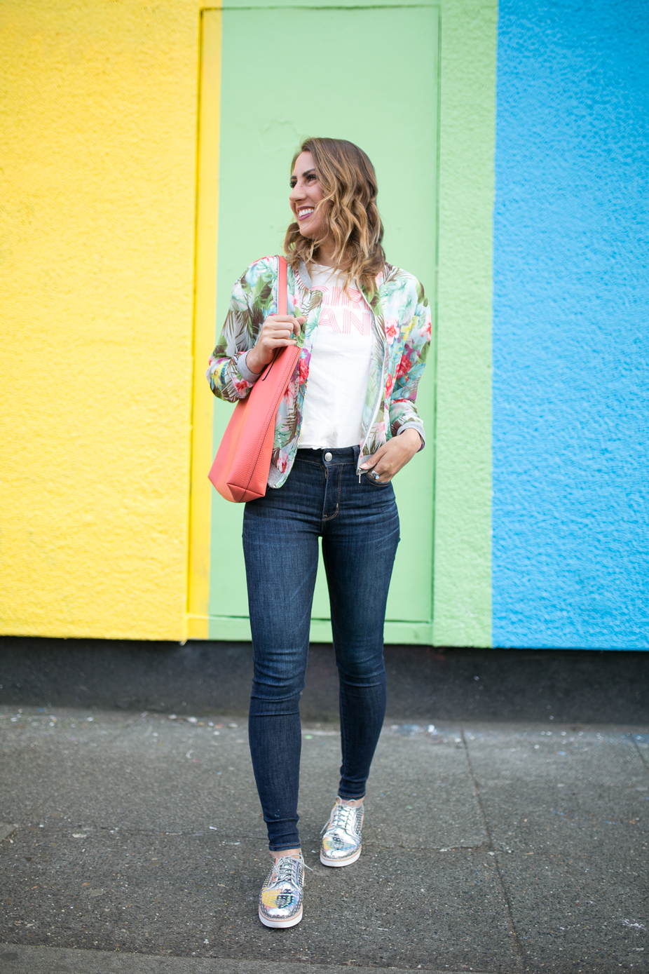 seattle fashion blogger, seattle blogger, bomber jacket, graphic t-shirt