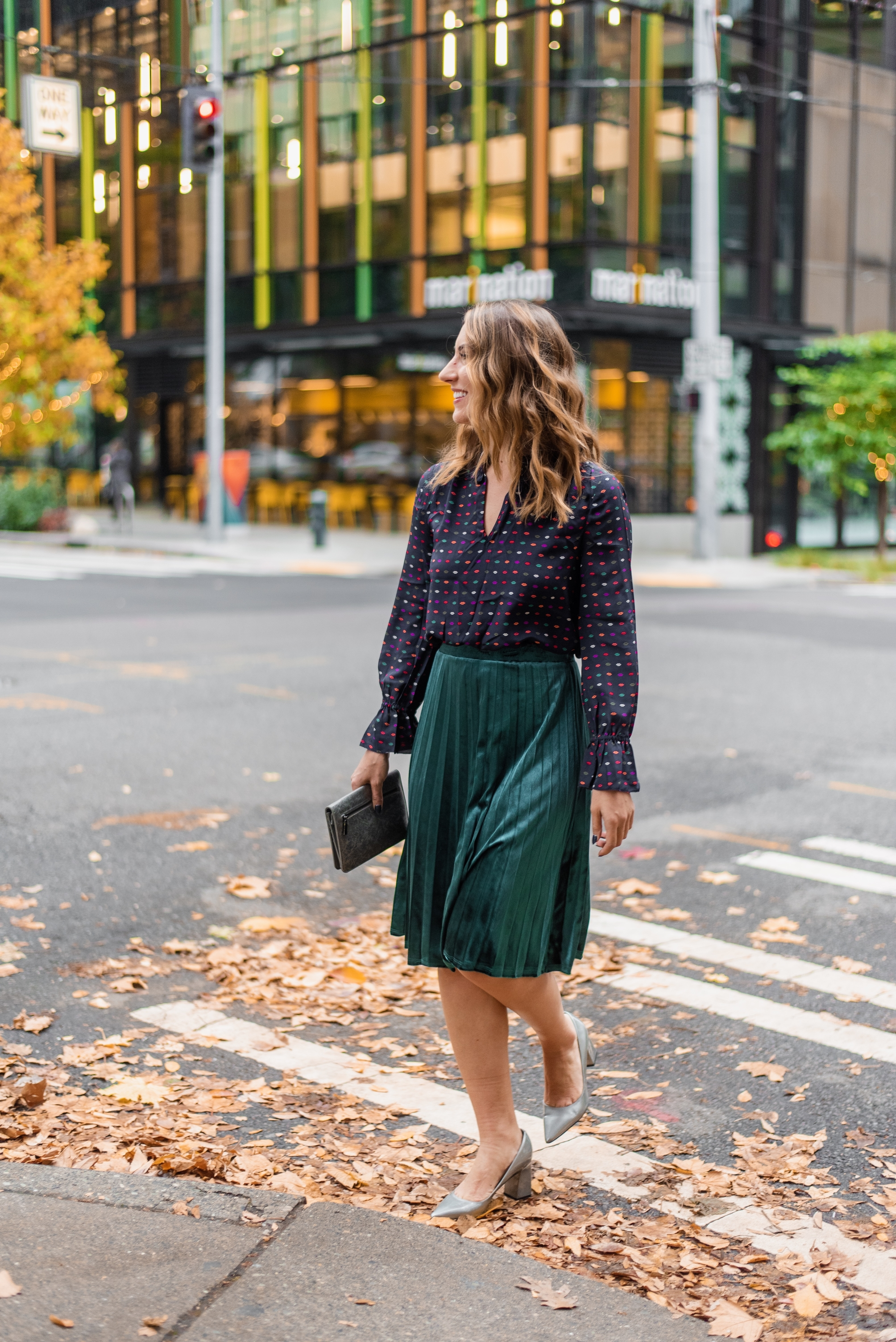 seattle fashion blogger, velvet skirt, holiday style